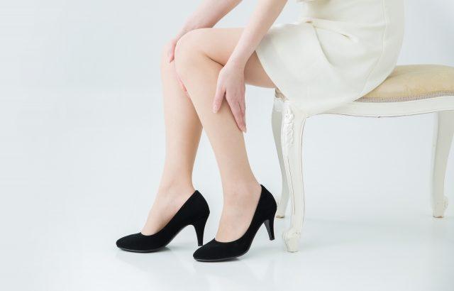 足がつるのはなぜ?腓返りとは?主に睡眠時に足がつる理由や原因、対処法や予防方法について。
