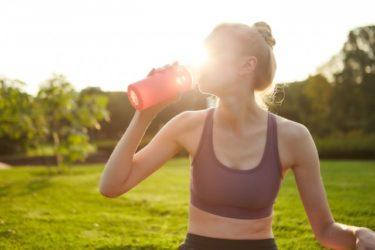 プロテインの効果的な飲み方とは!?タイミングや1日の摂取量についても解説!